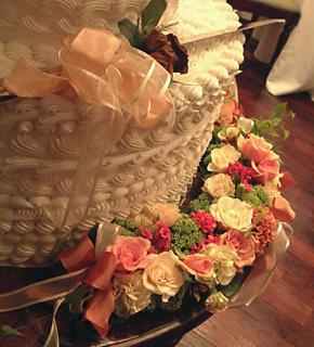 クレッセント型の花飾り