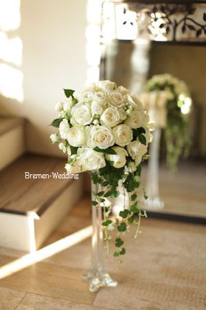 白いバラのデザインブーケ