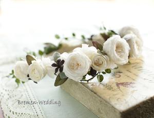 丸いバラの花冠