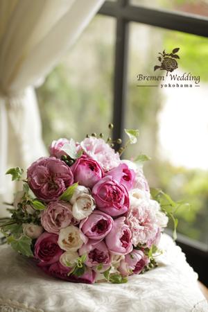 フーシャピンクのバラのブーケ